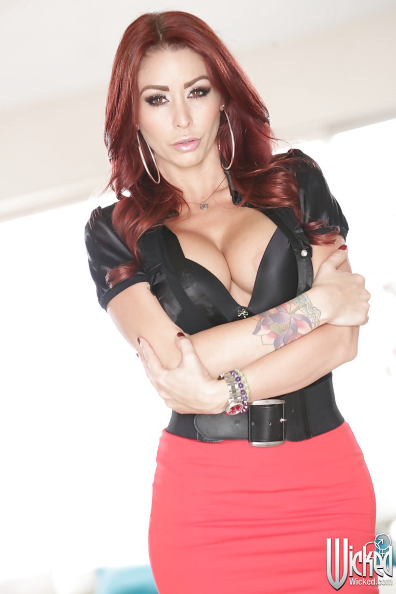 Monique alexander data18